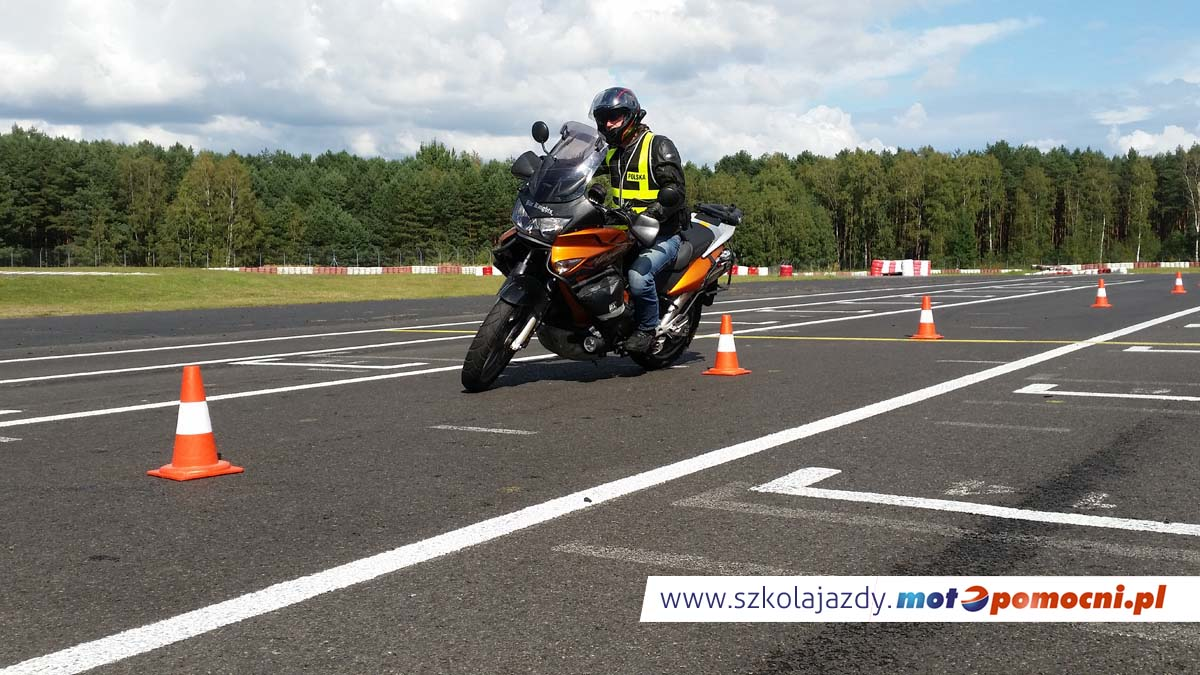 Doskonalenie_jazdy_motocyklem_motopomocni (2)