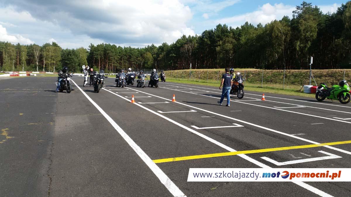 Doskonalenie_jazdy_motocyklem_motopomocni (3)