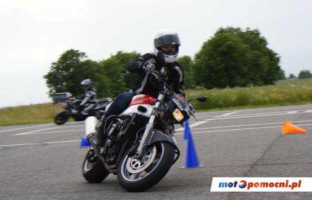 Gymkhana motocyklowa motopomocni