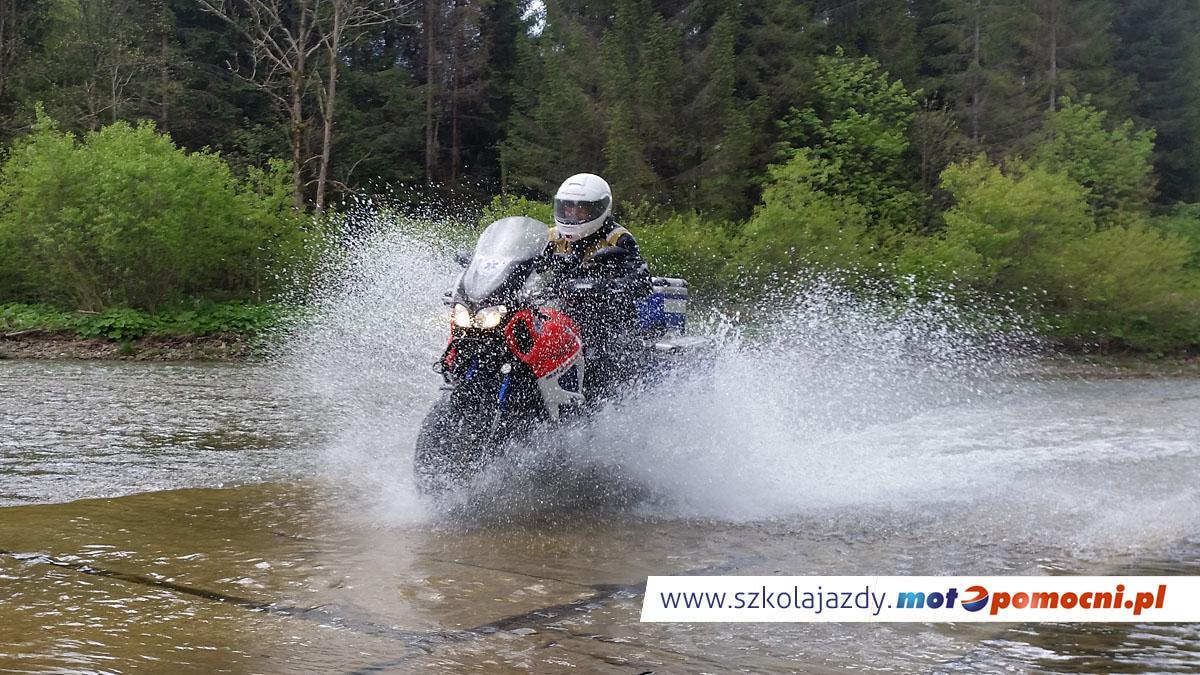 szkolenie_motocyklowe_offroad_bieszczady_motopomocni_brody