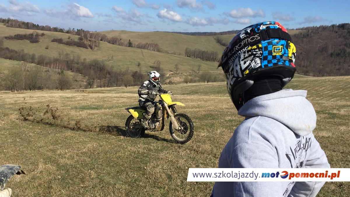 szkolenie_motocyklowe_offroad_bieszczady_motopomocni_cross