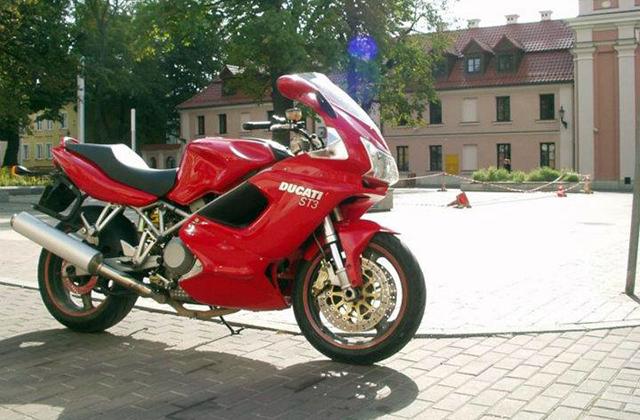 parkowanie motocykla