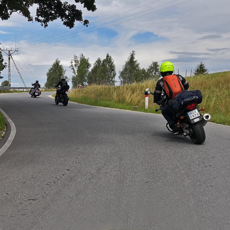 kotlina_klodzka_motocyklem